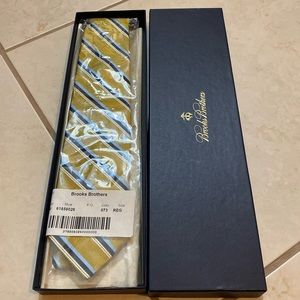 Brooks brothers yellow and gold silk tie worn once